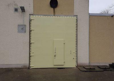 Tor Pumpstation außen